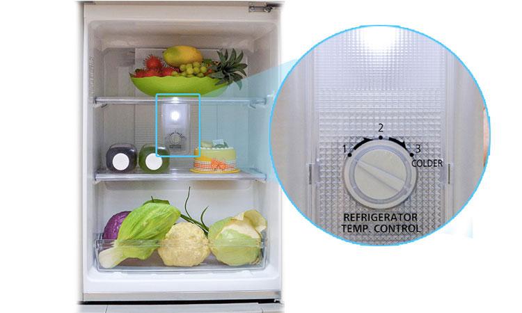 Tủ lạnh Panasonic NR-BJ188SSVN hệ thống đèn LED chiếu sáng tốt
